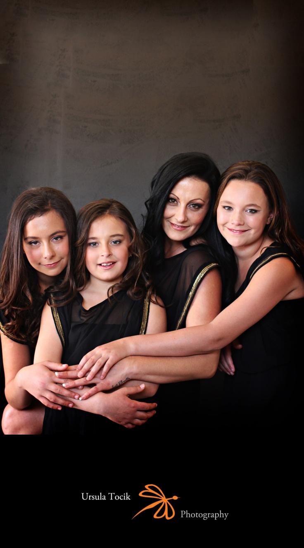 mom_daughter_portrait